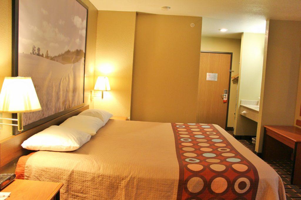 Super 8 Hotel in Ottawa Kansas - Best Hotel near Ottawa Kansas
